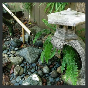 Bamboo pondless fountain with Japanese lantern